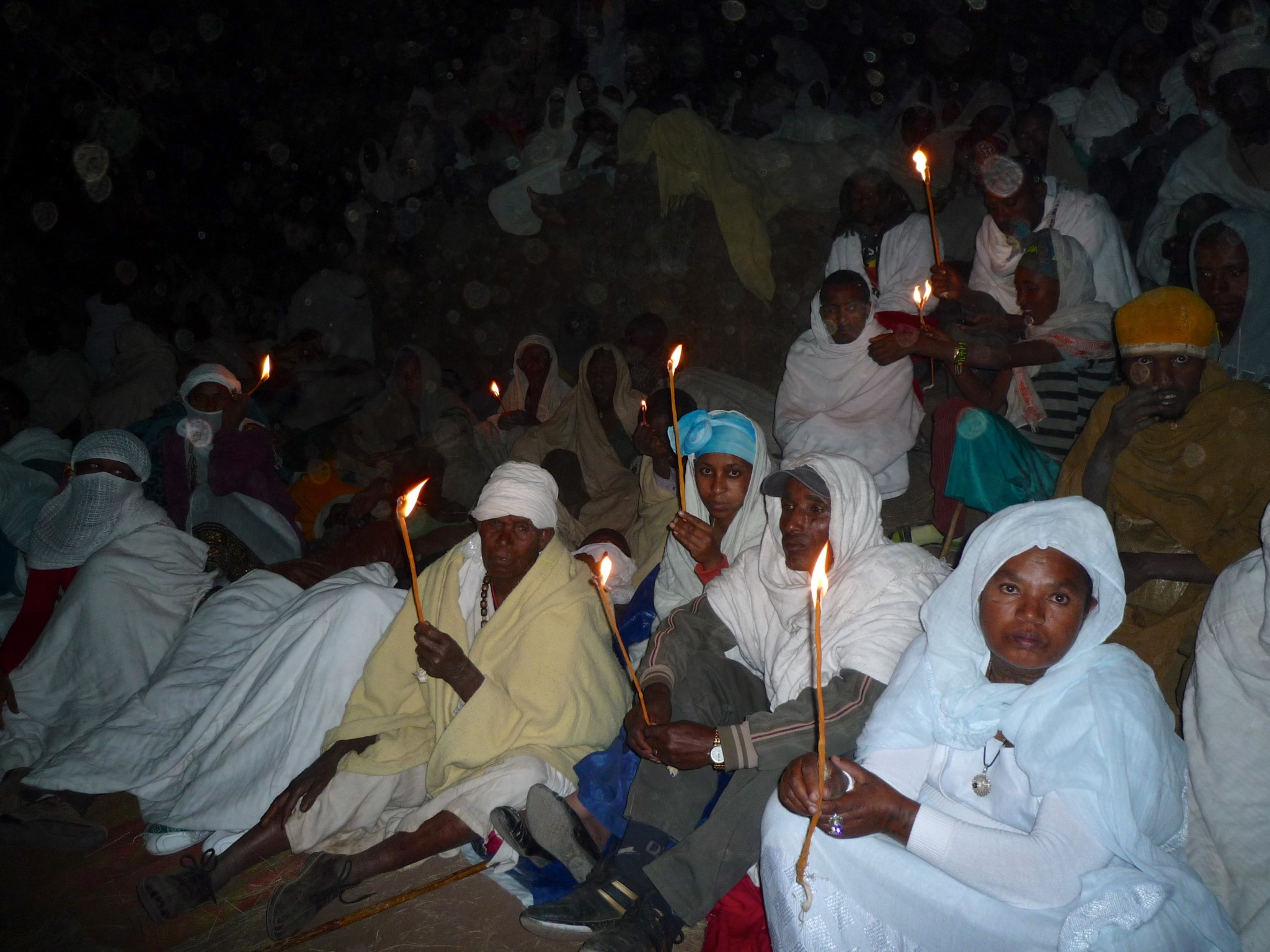 Pilgrims at Gena   Lalibella